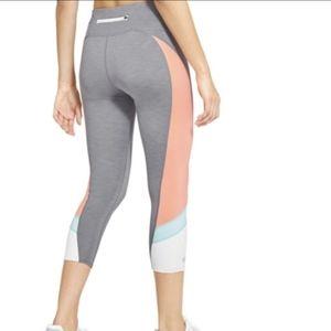 Athleta Colorblock Sonar Capri athletic legging
